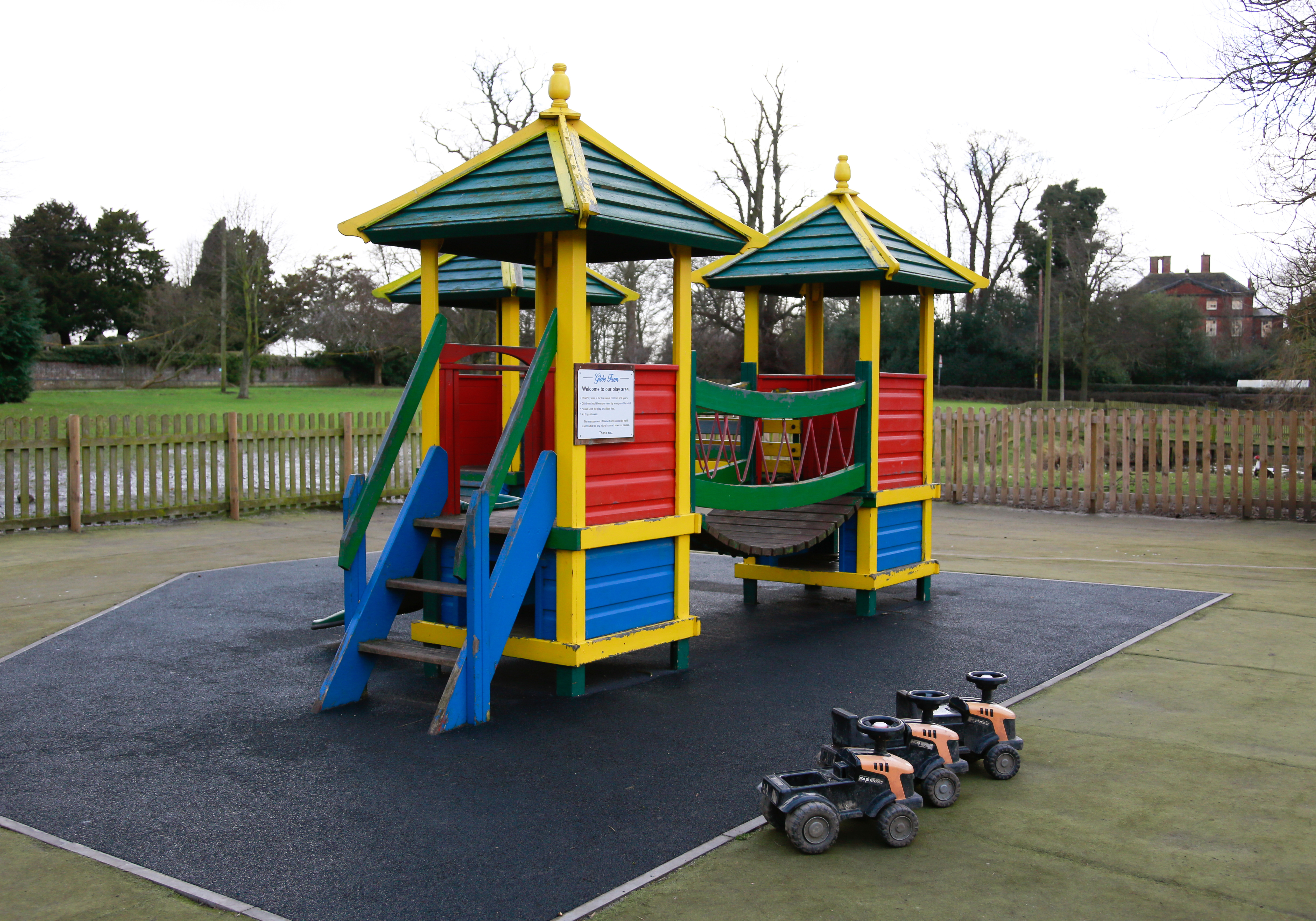 Glebe Farm play area